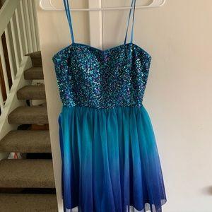 ADORABLE short formal/hoco dress!